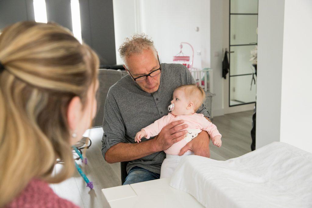 osteopathie-behandeling-zuigelingen-baby-1